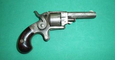 Revolver ETHAN ALLEN